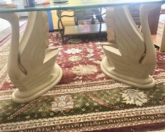 Glass top/swan base table