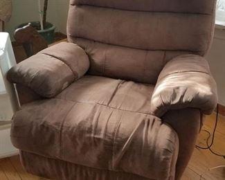 Comfy vibrating recliner