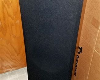 Pair of Sony speakers and other electronics