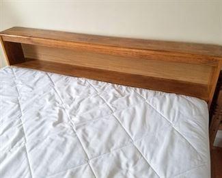 Queen bed. $100