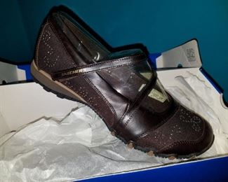 Skechers shoes brand new in box