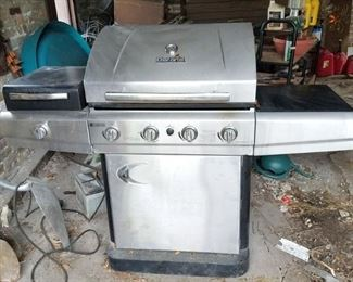 Char-Broil gas grill $125