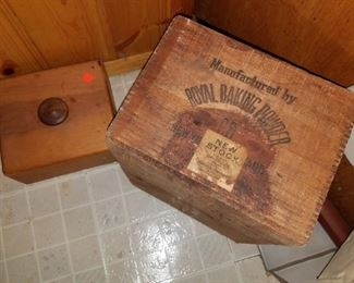 Old wood boxes/crates
