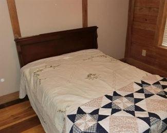 Mhgny Double Bed w/ Bedding