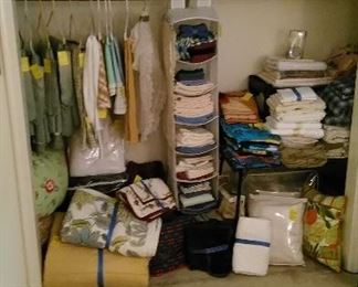 Linens, towels and blankets, etc.