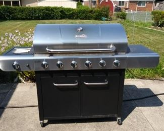 Gas Grill with side burner