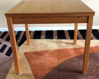 Copenhagen Expandable Table and Chairs