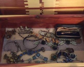 Antique Jewelry and Vintage Unique Jewelry