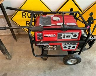 Honda Generator Excellent Condition, electric starts