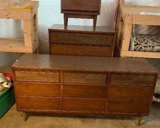 Mid Century Modern Dresser, Chest of Drawers & Night Stand made by Bassett