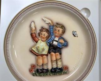 """1985 Hummel """"Auf Wiedersehen"""" Anniversary Plate"""