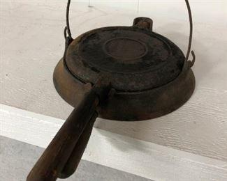 Antique Wagner Waffle Iron