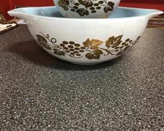 Vintage Pyrex Chip Dip Set