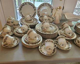 Christmas dishes, sets