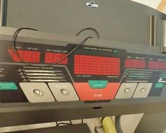 IMAGE 1250 TREADMILL  WILL PRE-SELL  CALL 612-849-3688