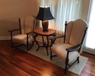 Mayhew Vintage Chairs, Table and Lamp Lot