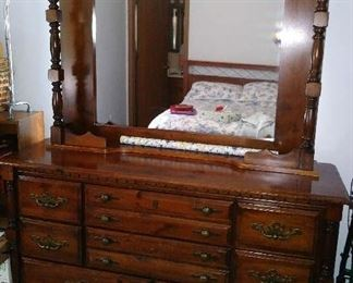 Mint condition dresser with mirror.