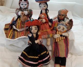 5 Spanish style dolls