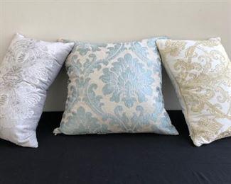 Decorative Luxury Pillows w Floral Patterns