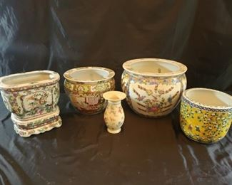 Four ceramic Asian vases or pots and one Rosenthal vase