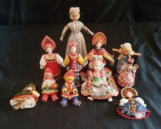 Small European dolls and figurines