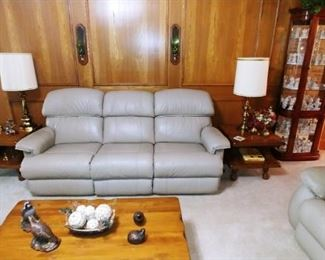 Leather La Z Boy Recliner Couch