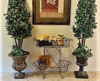 Topiary Entry Hall