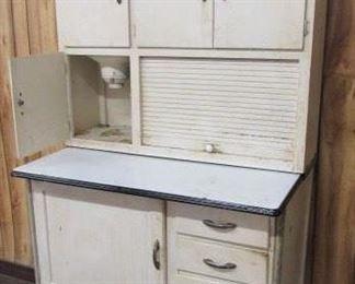 Kitchen Cabinet w/Flour Bin
