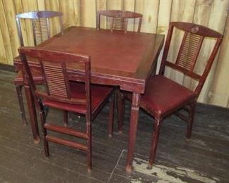 Folding Card Table w/4 Folding Chairs