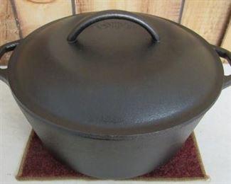 Cast Iron Lodge Dutch Oven