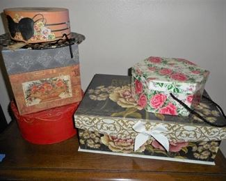 Lot of 5 decorative boxeshttps://ctbids.com/#!/description/share/209073