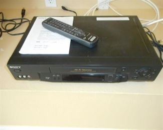 Sony CD/DVD player w/remote & manual - DVP/SR510H             https://ctbids.com/#!/description/share/209206