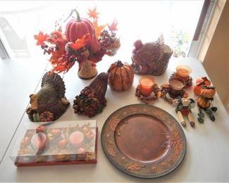 Lot of 17 pc Fall & Thanksgiving items https://ctbids.com/#!/description/share/209216