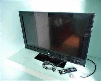 """LG 32"""" TV - 32CS460 w/remote & cords https://ctbids.com/#!/description/share/209269"""