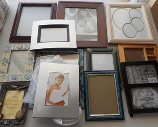 Lot of 12 frames - various sizes, shapes & colors https://ctbids.com/#!/description/share/209976