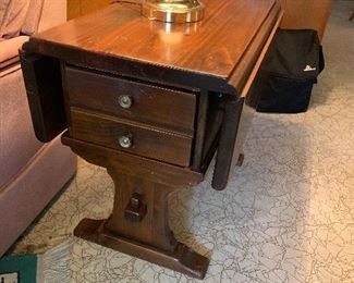 Drop leaf 2drawer solid wood end table Kling Colonial furniture