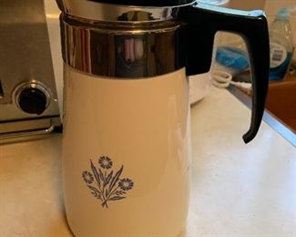 Pyrex  cornflower coffee pot- like new