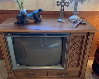 Curtis Mathis console tv, still works!!