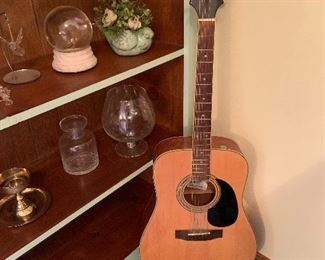 Guitar, Knick-knacks
