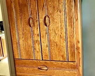 Mater bedroom armoire