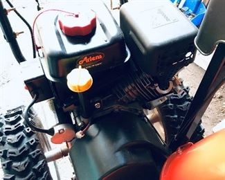 Ariens snow blower  works in good condition