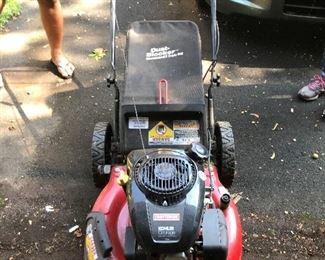 Craftsman  lawnmower  works