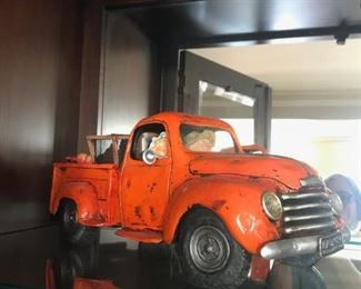 Farmers Pickup Truck by Forchino, Paris 2001, collectors series $75