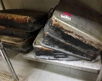 6 Metal Baking Pans