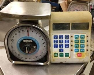 2 Food Scales