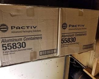 2 Boxes Of 8in Round Aluminum Containers