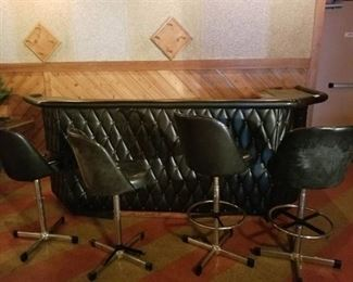 Black Padded Bar With 4 Stools