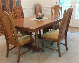 Lenoir House by Broyhill table with chairs and China cabinet