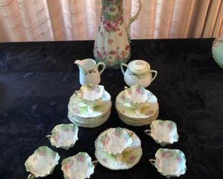 Vintage Tea Set https://ctbids.com/#!/description/share/208380