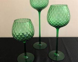 Green Glass Decor https://ctbids.com/#!/description/share/208397